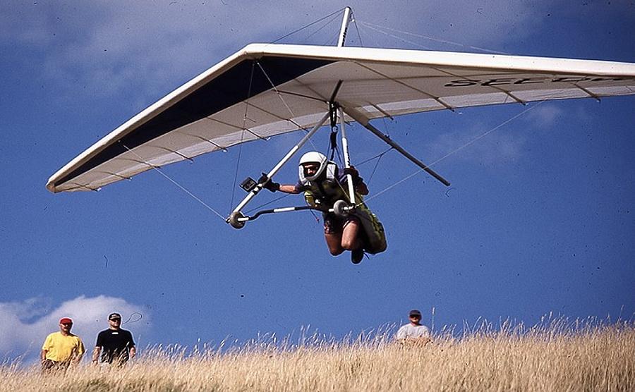 Cloudbase hanggliding